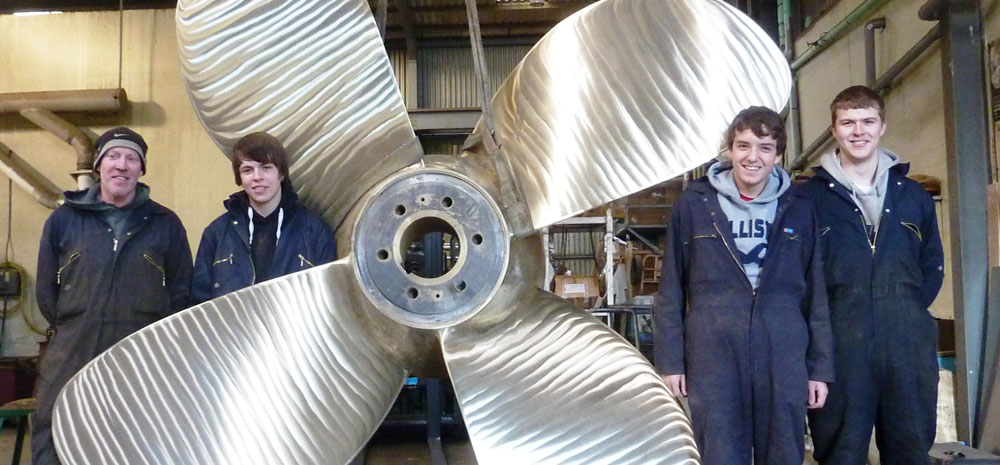 About FAL Propellers